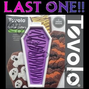 """NIB """"FIRM"""" tovolo Coffin Cookie Cutters/Press Set"""